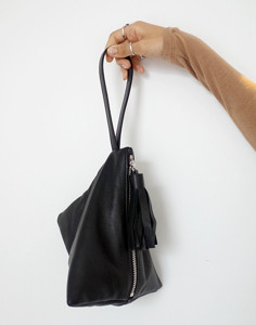 equal tassle pyramid-bag(ヤンピー)