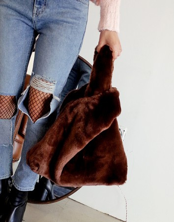 turn fur handle-bag