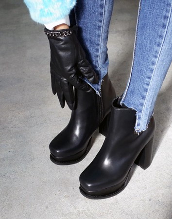 factory chunky ankle-heel