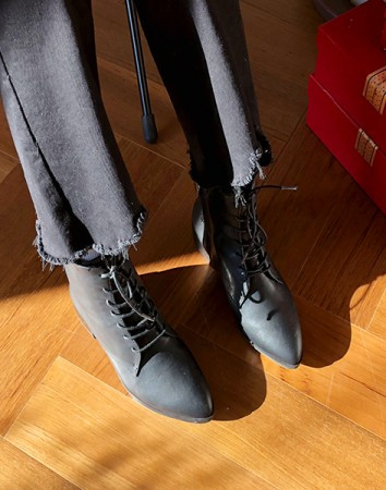 relish laceup ankle-boots