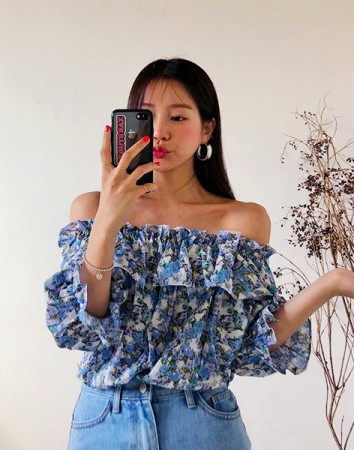 flower off shoulder-bl